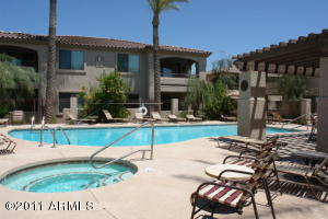 beautiful resort style pool/spa