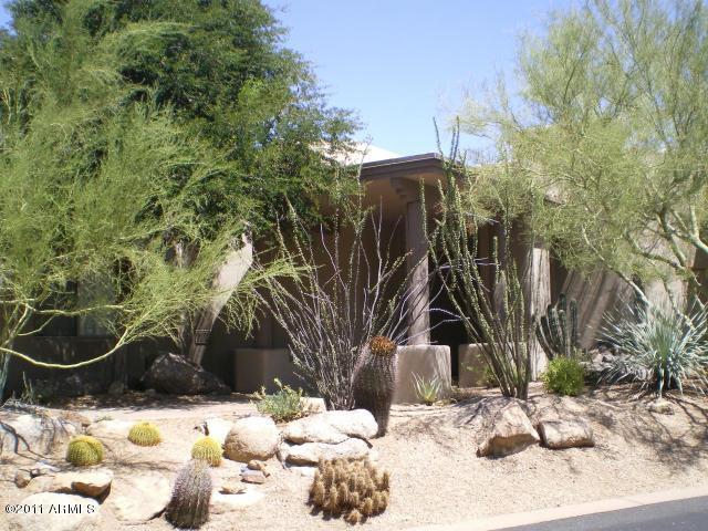 Photo of 7526 E CLUB VILLA Circle, Scottsdale, AZ 85266