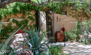 Charming courtyard entry
