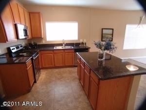 2821 W SANTA CRUZ Avenue, Queen Creek, AZ 85142