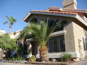 19 W HANCOCK Avenue, Gilbert, AZ 85233