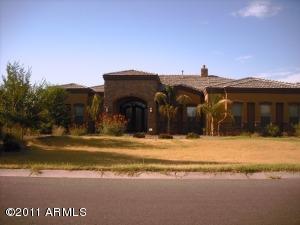 2900 E CLARK Drive, Gilbert, AZ 85297