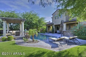 MOUNTAINS, CITY LIGHTS, HUGE YARD, POOL, SPA, LOUNGING AREA & SO MUCH MORE! THIS YARD IS AN ENTERTAINER'S DREAM!