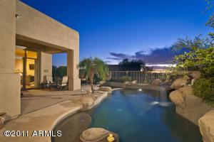 9534 E MONUMENT Drive, Scottsdale, AZ 85262