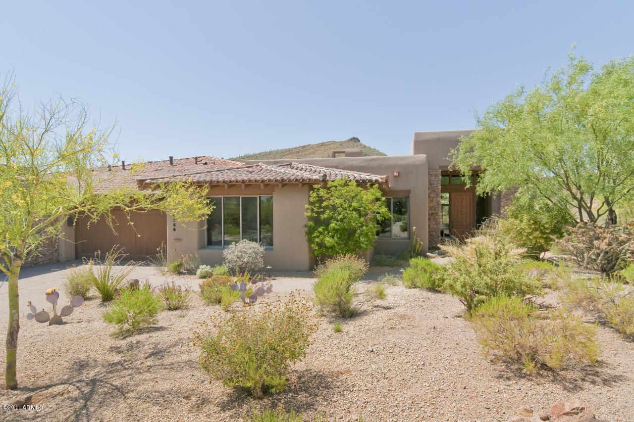 Photo of 9756 E FORGOTTEN HILLS Drive, Scottsdale, AZ 85262