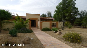 4 Bedroom 2.25 Bath Horse Property in Scottsdale For Sale