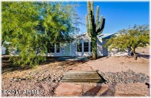 700 S GRAND Drive, Apache Junction, AZ 85120