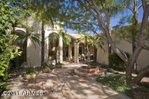5880 N ECHO CANYON Lane, Phoenix, AZ 85018