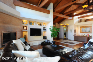 Lovely living area, great for entertaining or relaxing with friends and family