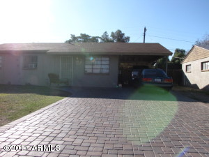 2711 W CARSON Road, Tempe, AZ 85282