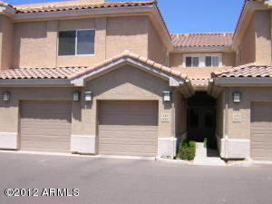 Lower level Townhome in Superstition Lakes.