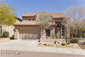 Great location with mountain views and privacy!