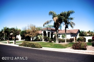 Situated in the beautiful Somerset Estates of North Mesa.