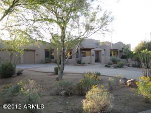 Elegant home in the desert