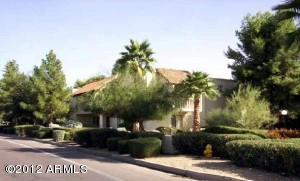 Scottsdale Resort Style condo, close to New Ball park, shopping and restaurants
