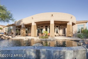 Stunning infinity Edge pool & covered patio