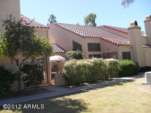 This condo is near the pool and overlooks spacious, well maintained grounds (currently being re-seeded with winter/rye grass).