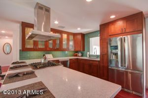 Beautifully Upgraded Kitchen