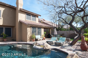 Your own private backyard oasis awaits!!!