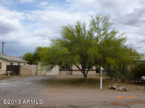633 S MAIN Drive, Apache Junction, AZ 85120