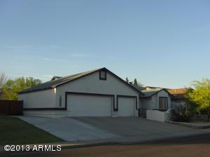 4142 N. Hopi Avenue-Mesa 3 Bedroom, 2 Bathroom, HUGE 3-Car Garage plus RV Gate and Parking!