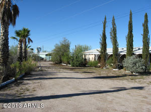 200 N TOMAHAWK Road, Apache Junction, AZ 85119