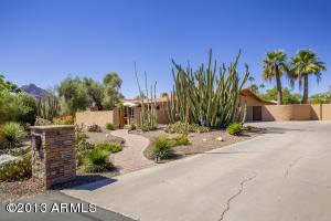 5615 E Cactus Wren Road, Paradise Valley, AZ 85253