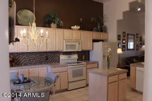 16107 E EMERALD Drive, 204, Fountain Hills, AZ 85268