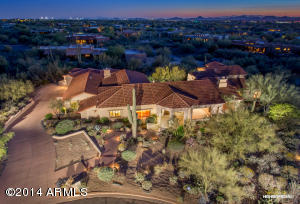 Located in an upscale Carefree neighborhood on the base of majestic Black Mountain complete garage space for 6 cars!