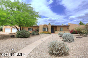 This spacious property is neat as a pin with plenty of elbow room. It has great access to the everything special in Scottsdale.