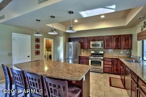 Large Island and roomy Kitchen, perfect for entertaining.