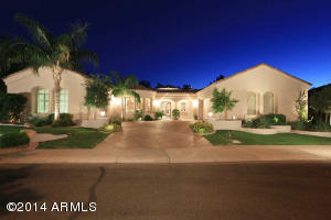 Beautiful curb appeal on one of the best lots in Vistas at Ocotillo - 19,811 SF!