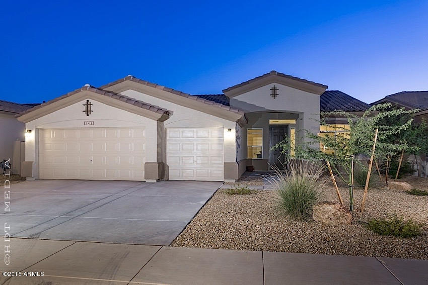 Photo of 18241 W YOUNG Street, Surprise, AZ 85388