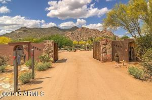 Entrance to your dream estate