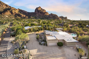 Amazing Views of Camelback with Private Driveway