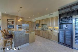 9606 E SUTHERLAND Way, Scottsdale, AZ 85262