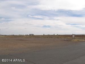 716 N Transcon Lane, Winslow, AZ 86047