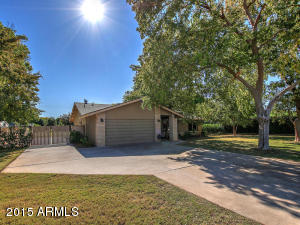 8517 E HIGHLAND Avenue, Scottsdale, AZ 85251