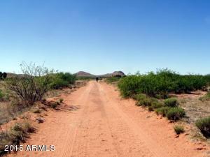 10ac. E Doe Ranch Road, Pearce, AZ 85625