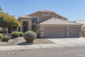 Very well maintained 5 Bedroom 3 bath home in The Enclave at Tatum Ranch.