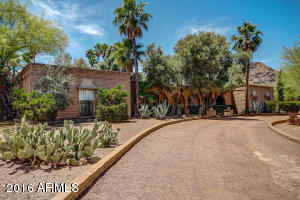 8047 N IRONWOOD Drive, Paradise Valley, AZ 85253