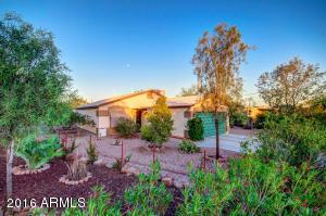 689 S GRAND Drive, Apache Junction, AZ 85120