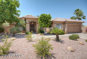 Spacious, open floor plan on 17000+ SF lot -- largest in the subdivision!