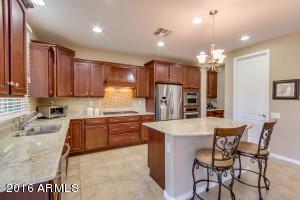 3740 E MATTHEW Drive, Phoenix, AZ 85050