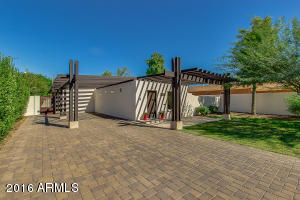 Large Carport, Cobblestone drive way