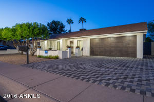 8832 E KALIL Drive, Scottsdale, AZ 85260