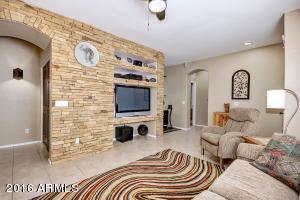 2553 N RAVEN Street, Mesa, AZ 85207