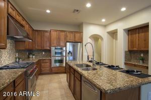 9330 E VIA DE VAQUERO Drive, Scottsdale, AZ 85255
