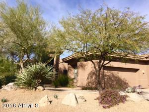 Great Curb appeal in the popular Villa section of Wifield in North Scottsdale