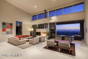 6633 N PALM CANYON Drive, Phoenix, AZ 85018